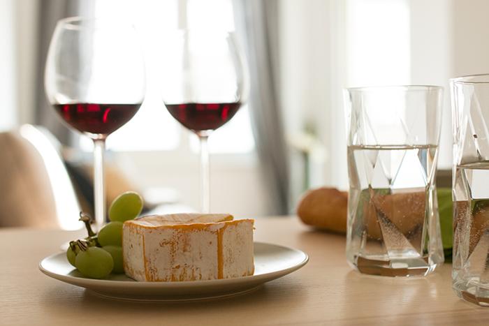Tisch, Wein, gemütlich, Wien